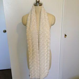 White Swirl Faux Fur Scarf by Milon